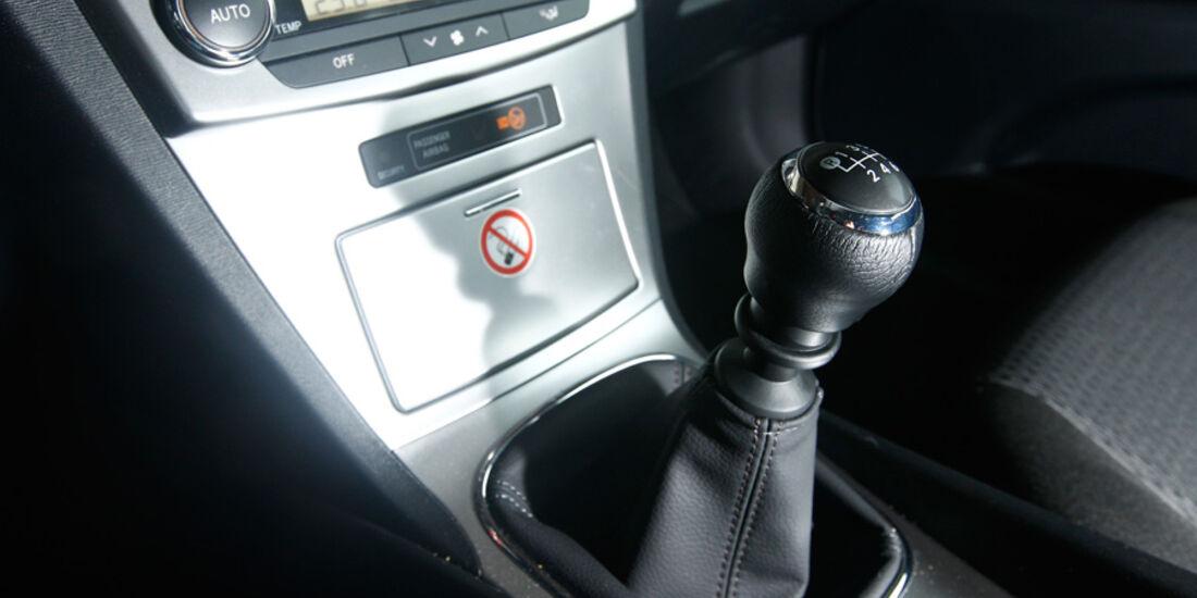 Toyota Avensis Combi 2.0 D-4D, Schaltknauf, Schalthebel