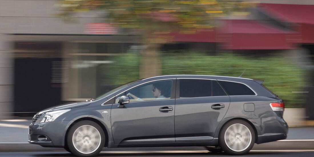 Toyota Avensis Combi, Seitenansicht