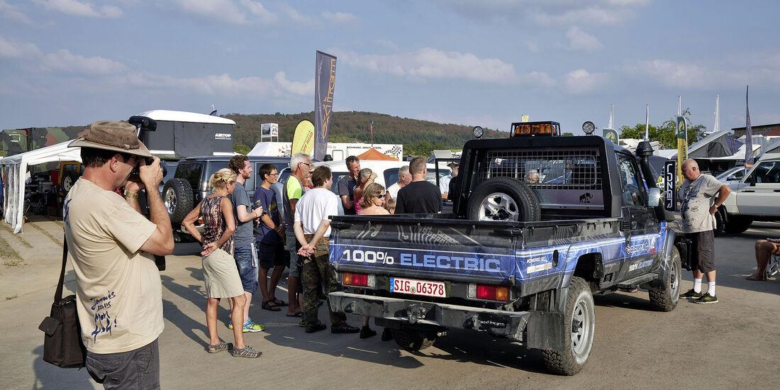Toyota Buschtaxi-Treffen 2016 in Storndorf