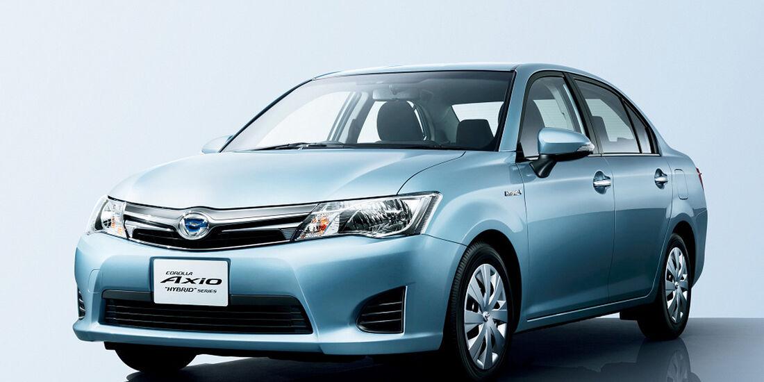 Toyota Corolla Axio Japan