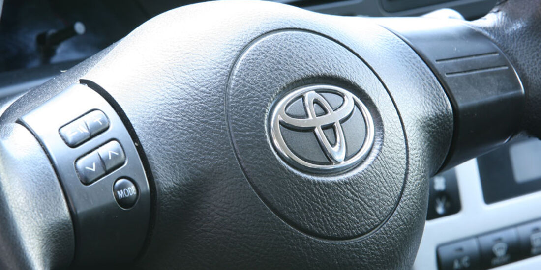 Toyota Corolla, Lenkrad, Hupe