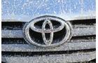 Toyota Hilux 3.0 D-4D, Emblem, Kühergrill