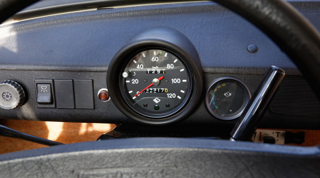 Trabant 601 L, Rundinstrument