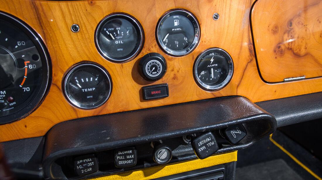 Triumph TR6, Zusatzinstrumente