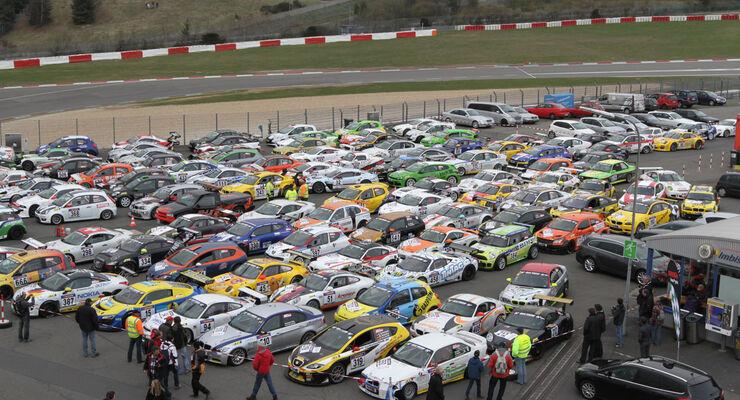 VLN Langstreckenmeisterschaft Nürburgring 14-04-2012, Parc ferme, Fahrzeuggruppe