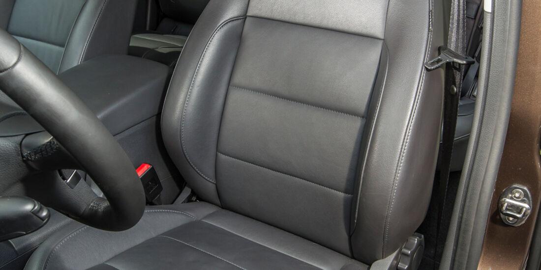 VW Amarok Double Cab 2.0 Bi TDi 4Motion BM T Highline, Fahrersitz