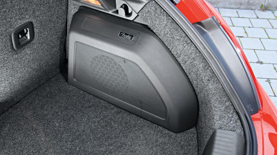 VW Beetle 2.0 TSI, Kofferraum, Detail