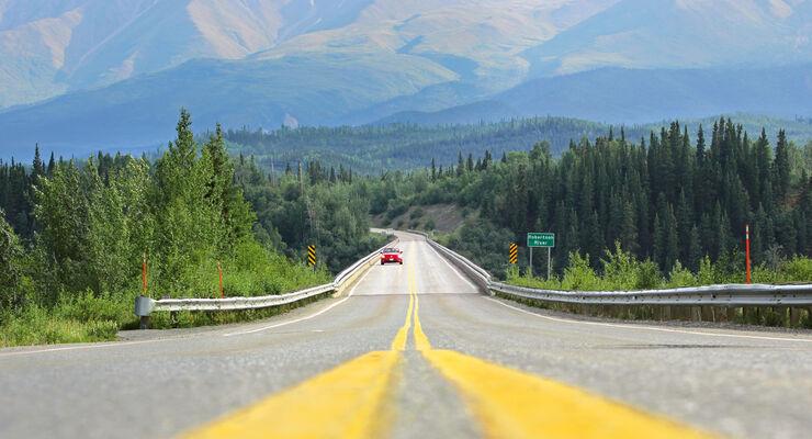 VW Beetle, Alaska, Highway