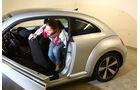 VW Beetle, Rücksitz, Aussteigen