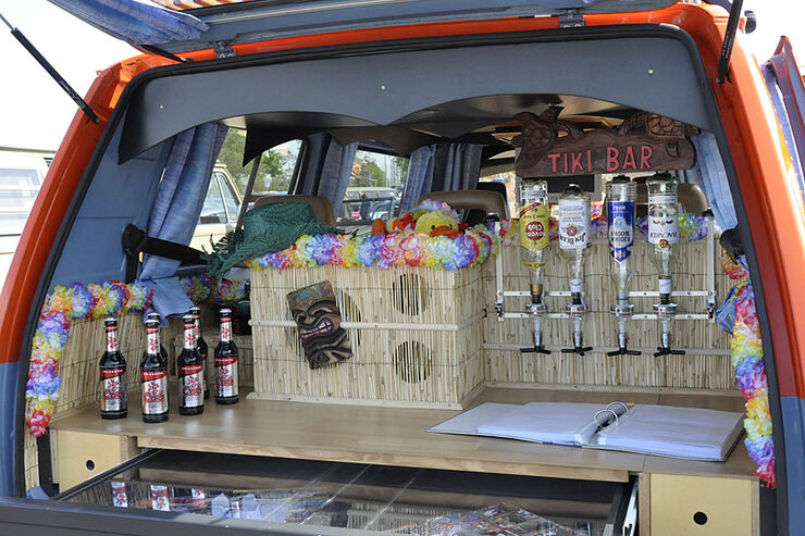 VW Bus Bar