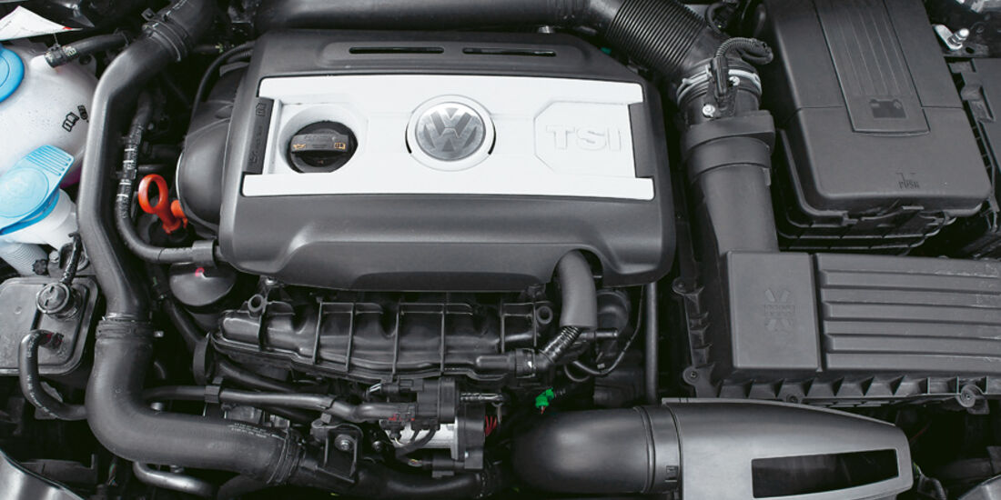 VW Golf Akrapovic, Motor