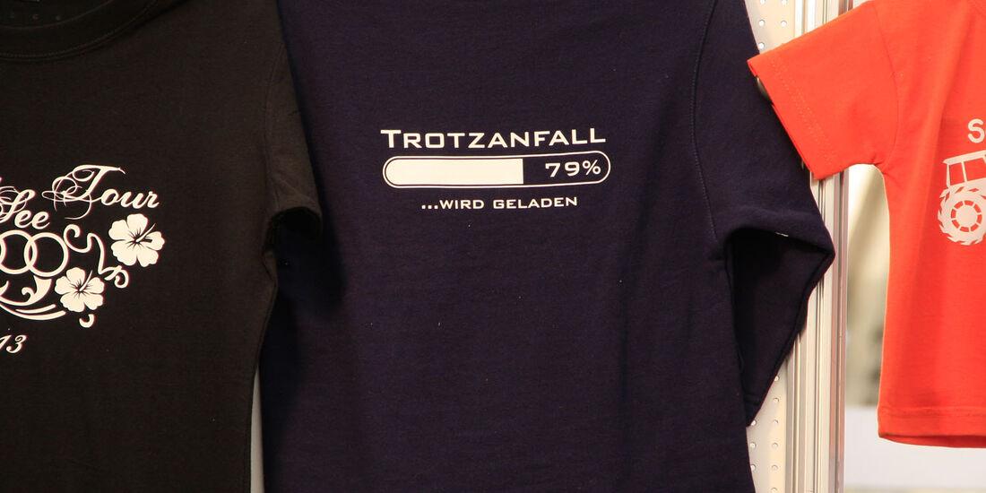 8c6d28b3fd783 T-Shirt-Sprüche vom GTI-Treffen am Wörthersee 2014: Ich bin die Geilste  hier - auto motor und sport