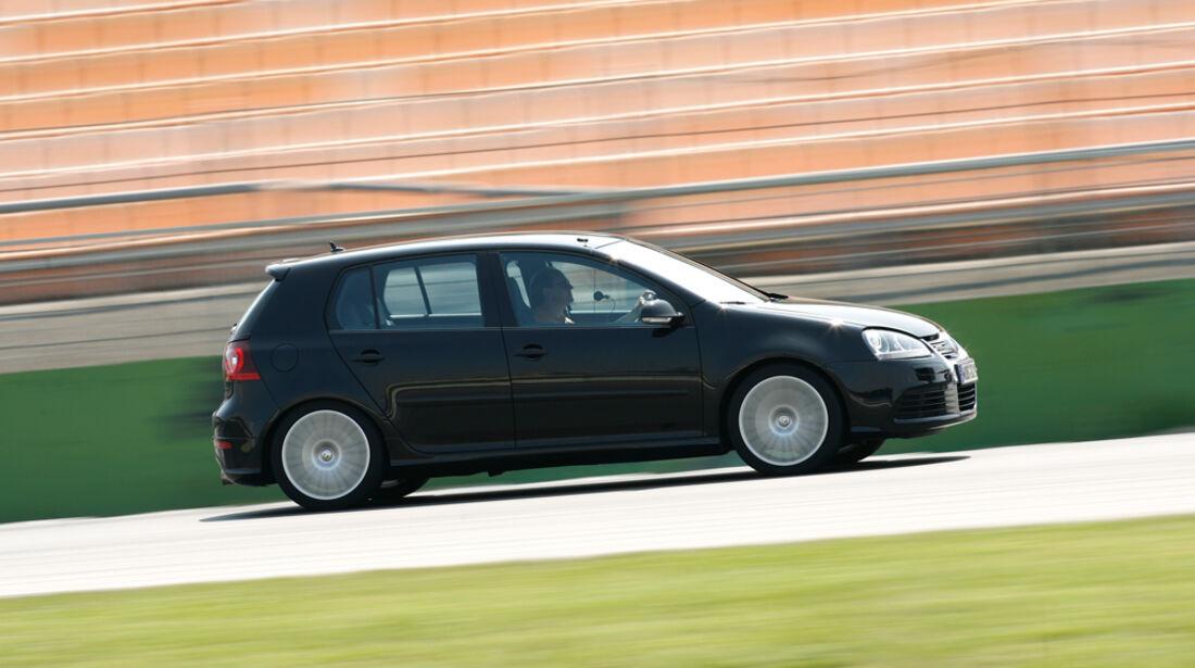 VW Golf V R32 12