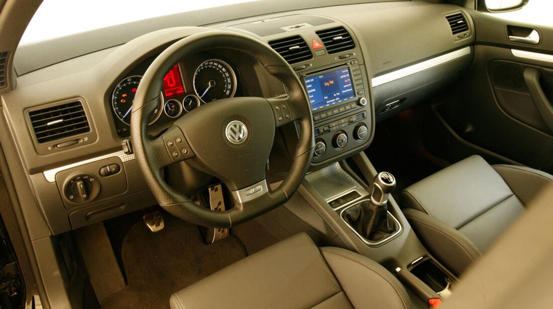 VW Golf V R32 13