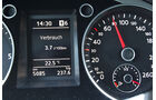 VW Passat Blue TDI Armaturen