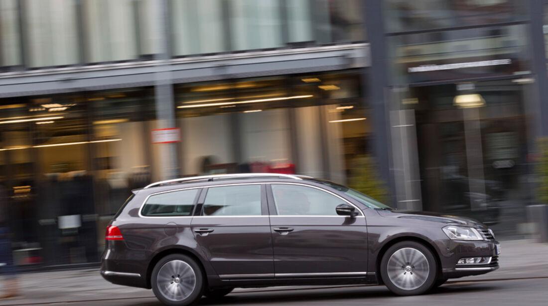 VW Passat Variant Blue TDI Highline, Seitenansicht