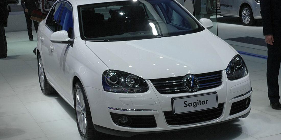VW Sagitar auf der Auto China 2010