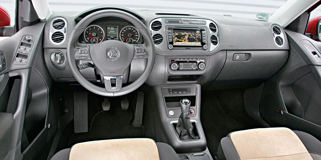VW Tiguan 1.4 TSI  1.4 TSI 4Motion, Cockpit, Lenkrad