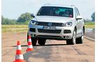 VW Touareg 3.0 TDI, Frontansicht, Slalom
