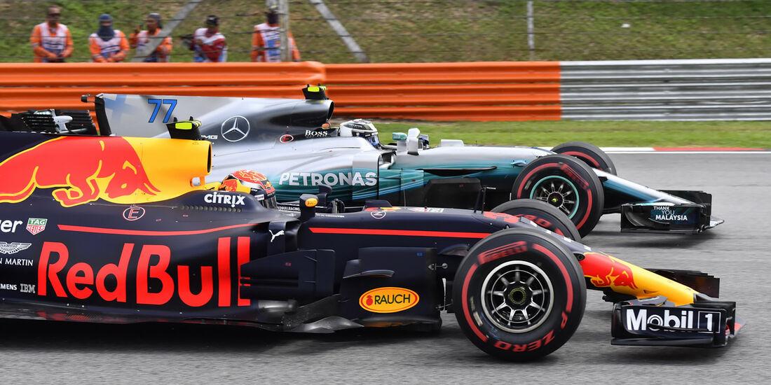 Valtteri Bottas vs. Daniel Ricciardo - GP Malaysia 2017