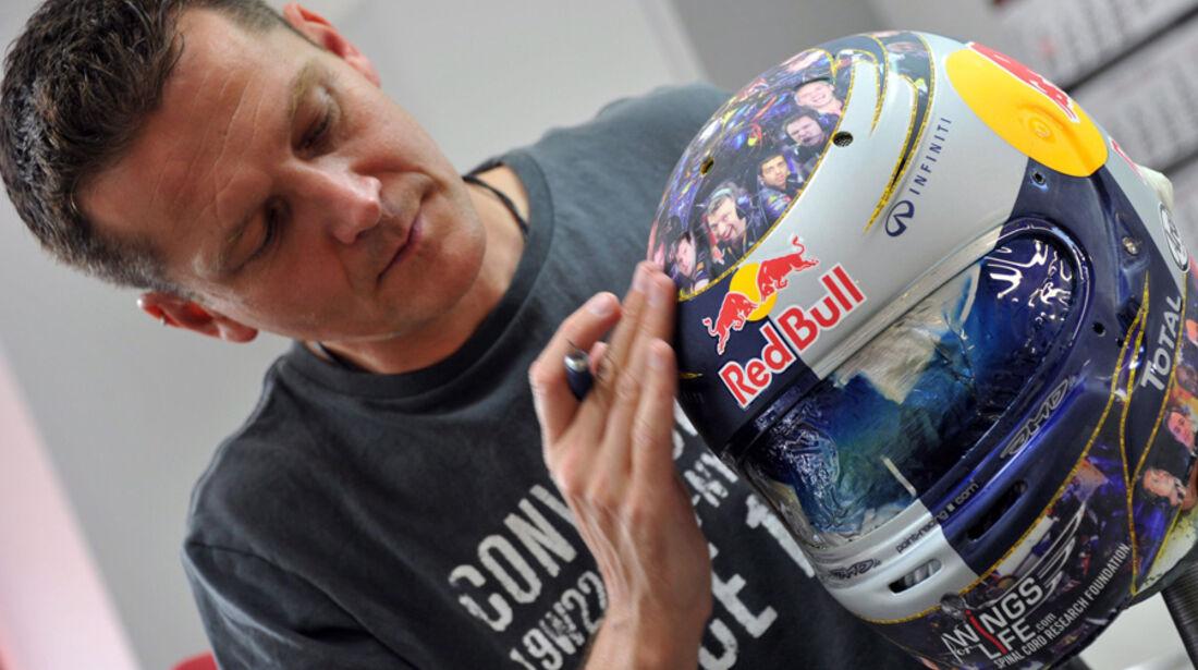 Vettel Helm GP England 2011 Jens Munser