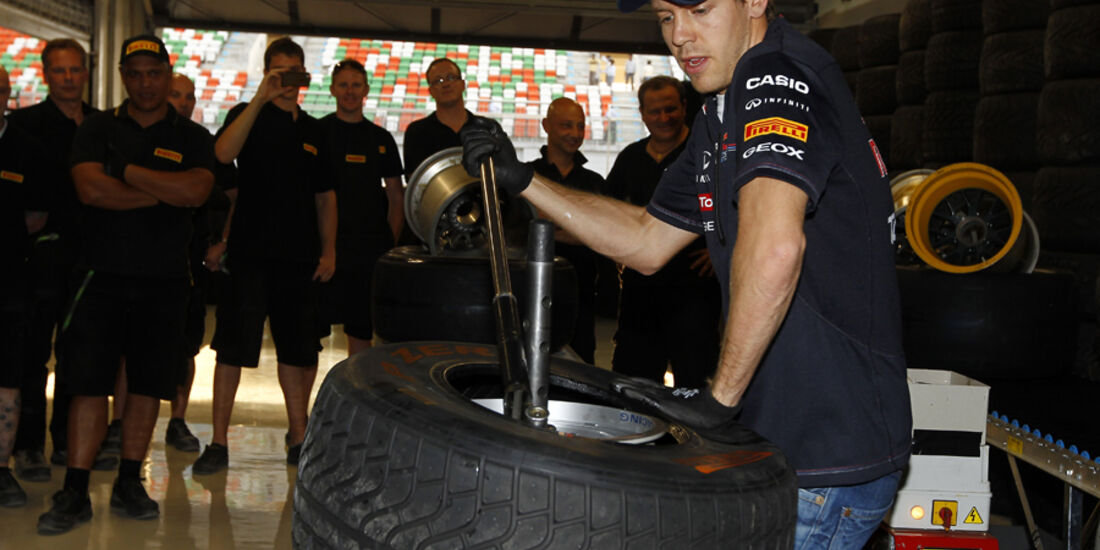 Vettel Pirelli 2011