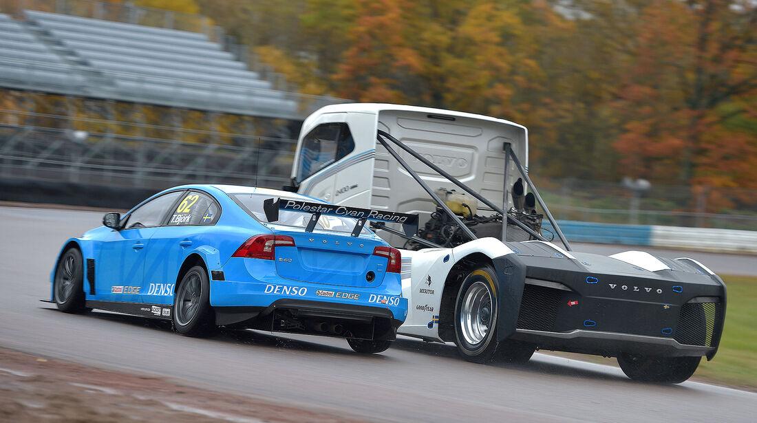 Volvo Iron Knight vs Volvo S60 Polestar WTCC