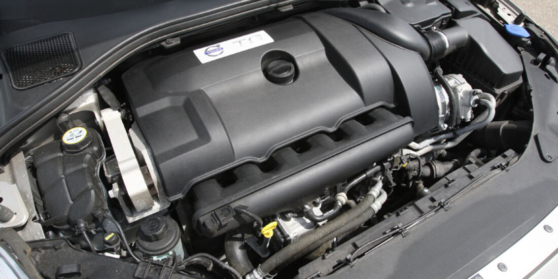 Volvo V 60 T6 AWD, Motorraum, Motor