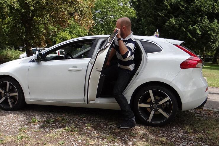Volvo V40 im Innenraumcheck: Willkommen im Instrumenten-Kino - auto ...