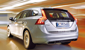 volvo v60 plug in hybrid im test allrad diesel unter. Black Bedroom Furniture Sets. Home Design Ideas