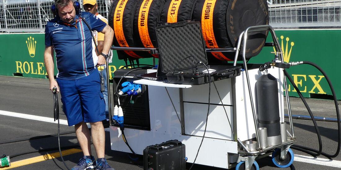 Williams - Startvorbereitung - Formel 1 - 2016