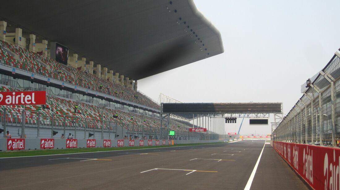 Zielgerade  - Formel 1 - GP Indien - 25. Oktober 2012