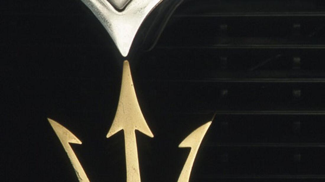 goldener Maserati-Dreizack