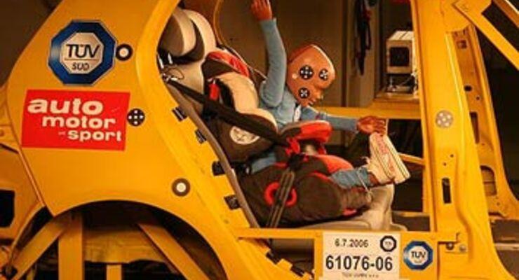 Crashtest Kindersitze: Immer auf die Kleinen (Seite 2) - auto motor ...