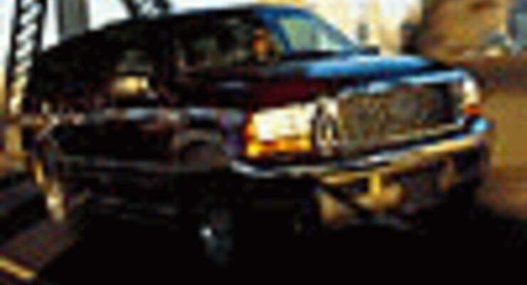 Auto Mit Eingebautem Kühlschrank : Ford excursion: big trick und truck auto motor und sport
